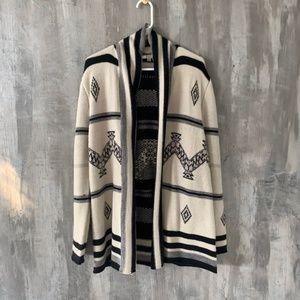 BB Dakota Cardigan Sweater sz M Black/off white